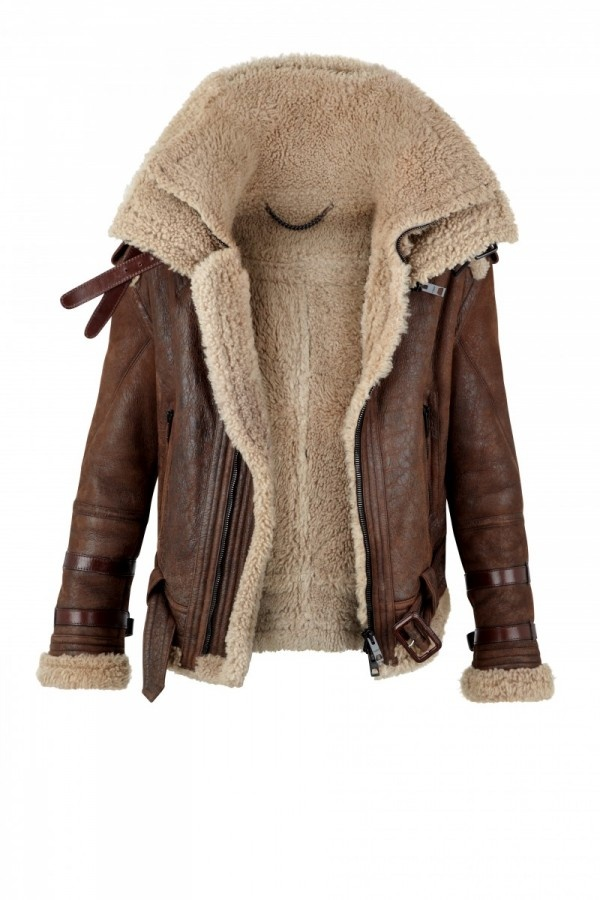http://definitivetouch.com/wp-content/uploads/2010/07/Burberry-Prorsum-Shearling-Funnel-Neck-Aviator-Jacket-01.jpg
