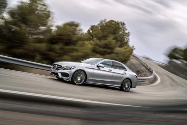 2015-Mercedes-Benz-C-Class-0-630x420