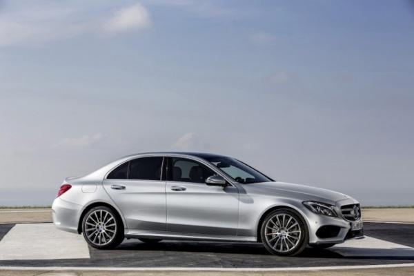 2015-Mercedes-Benz-C-Class-01-630x420
