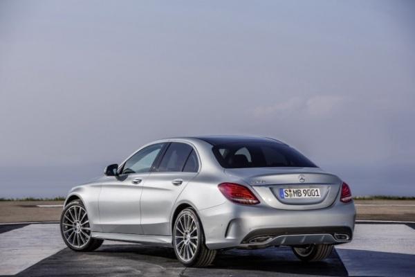 2015-Mercedes-Benz-C-Class-11-630x420